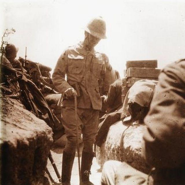 Gelibolu Savaşı'nda Avustralyalı ve Yeni Zelandalı askerlerin konutanı General William Riddell Birdwood Anzak Koyu'nda, Mayıs 1915