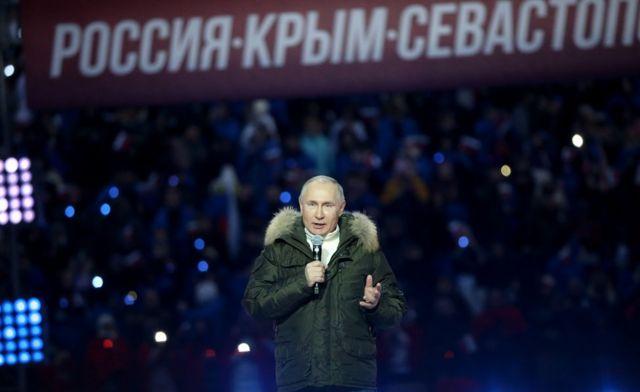 El presidente ruso, Vladimir Putin, durante un concierto que marcó el séptimo aniversario de la anexión de Crimea, el 18 de marzo de 2021 en Moscú, Rusia.