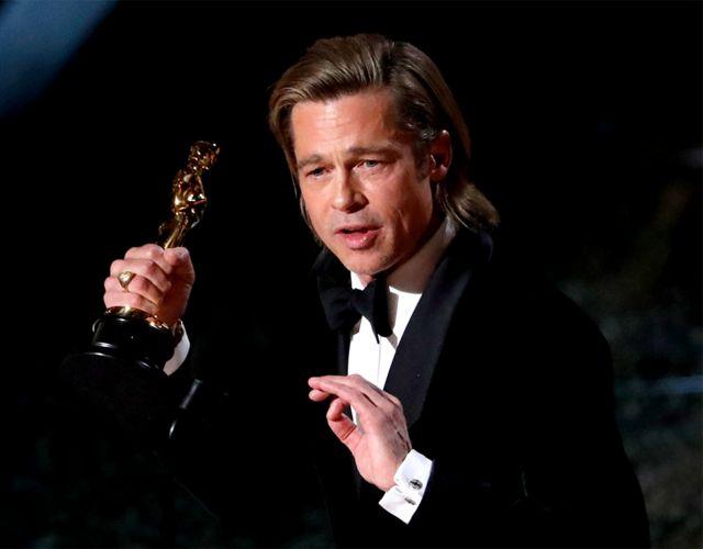 Brad Pitt con su Oscar