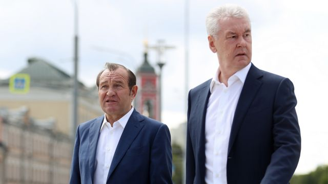 Вице-мэр Петр Бирюков и мэр Москвы Сергей Собянин в 2017 году
