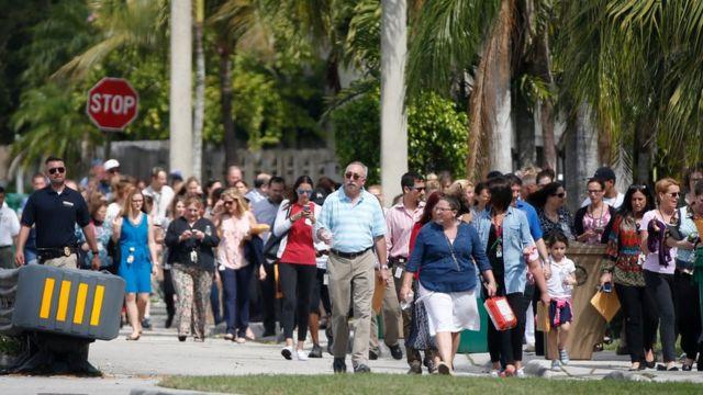 Evacuación de una escuela judía en Davie, Florida, por una amenaza de bomba