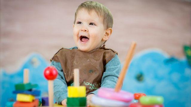 Toddlers 'need early years teachers in nurseries'