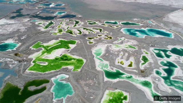 Lago Esmeralda da China, na província de Qinghai