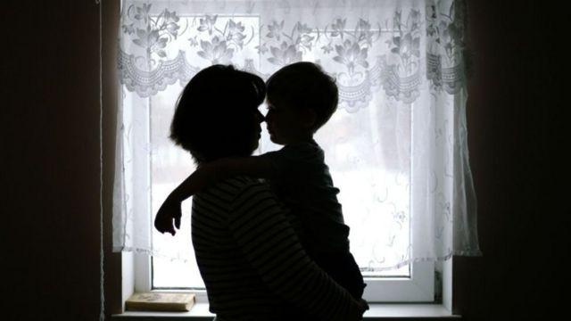 家庭暴力不僅限於肢體暴力,還有包括精神暴力、性暴力等。