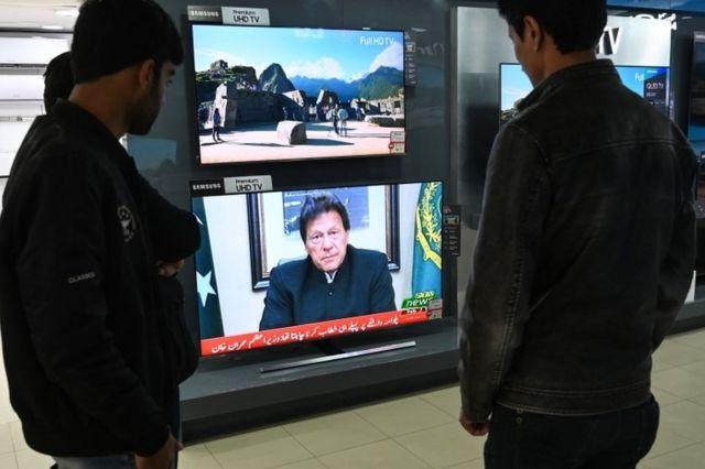 په هغې ټلویزیوني وینا کې چې لومړي وزیر عمران خان کوله پر هند یې غږ وکړ چې که د دې ادعا لپاره چې ګواکې پاکستان د برید ترشا و کوم ثبوت لري نو وړاندې دې يې کړي.