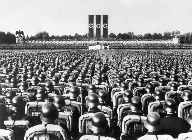 گردهمایی سالانه نازیها در نورمبرگ ۱۹۳۶