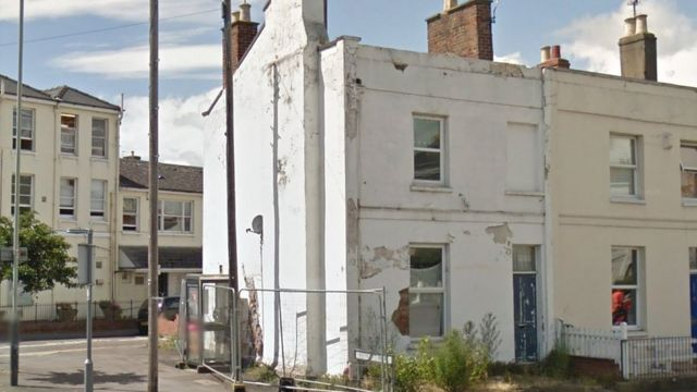 Cheltenham Banksy house buy-out negotiated by council