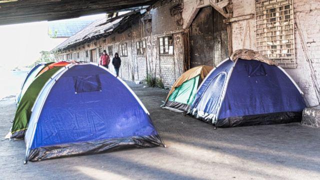 Des tentes où vivent les migrants