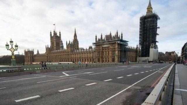 Ruas de Londres desertas durante lockdown