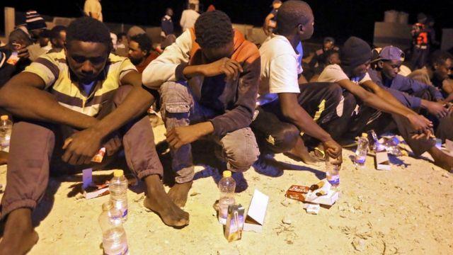 Des migrants africains secourus en mer Méditerranée au courant de ce mois