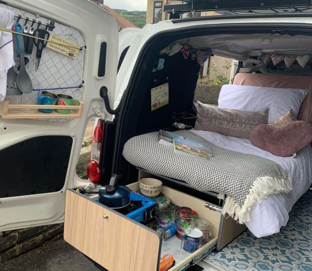 La camioneta de Chloe Nash