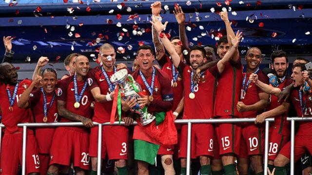 Portugal celebrando la Eurocopa de 2016.
