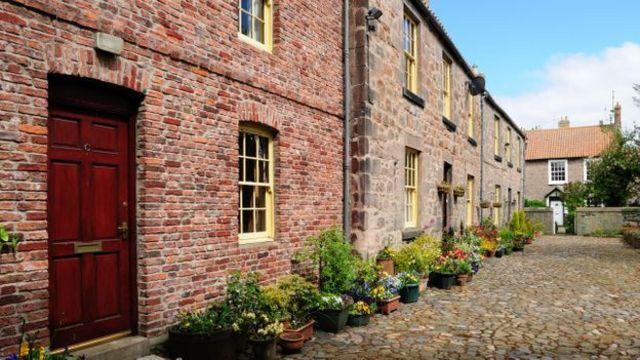 """تتميز بلدة """"بيريك آبون تويد"""" في الوقت الحالي بهوية فريدة خاصة بها، بعد أن تبادل الإنجليز والاسكتلنديون السيطرة عليها 13 مرة"""