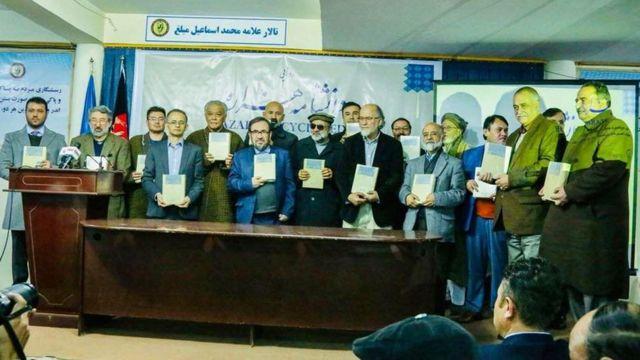 """سیدعسکر موسوی در محفل رونمایی از این دانشنامه در دانشگاه اینسینا کابل گفت """"هزارهشناسی اگر درست راه بیافتد، افغانستانشناسی نیز درست راه میافتد"""""""