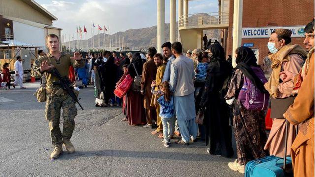 Taliban'la diyalog arayışı ne anlama geliyor, Ankara'da Afganistan için hangi seçenekler tartışılıyor? - BBC News Türkçe