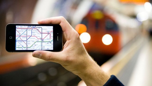 TfL to track tube users via their wi-fi to ease overcrowding