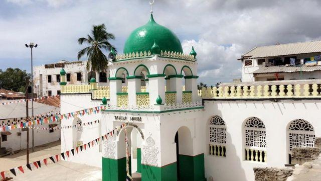 مسجد الرياض لامو