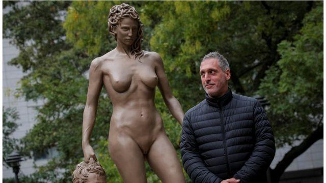 """Luciano Garbati e """"Medusa com a Cabeça de Perseu"""""""