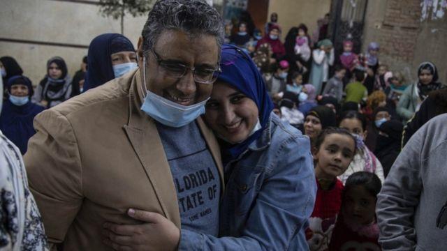 محمود حسين بعد الإفراج عنه