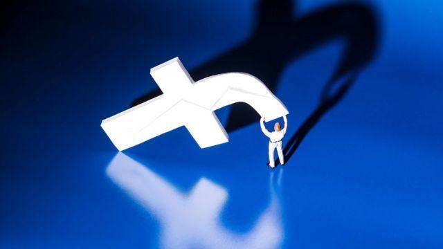 علامة فيسبوك التجارية