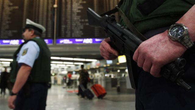 Полиция в аэропорту Франкфурта