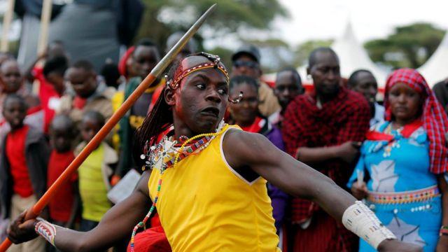 Wannan mai wasan jifa da mashin ya shiga gasaR Olympics ta Maasai ranar Asabar a bangaren kungiyar Sidai Oleng ta Kenya. Ana yin gasar ne a kamfe din kare namun daji a al'umar Maasai.