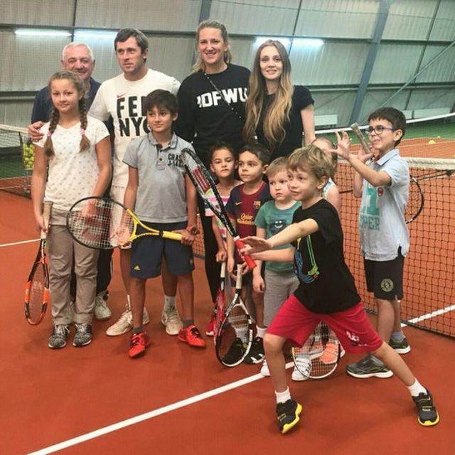 Агент Анны Чакветадзе активно занимается продвижением ее теннисной школы. На фото: в гости к ученикам Анны приехала Виктория Азаренка