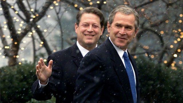Birbirine karşı davalık olan Al Gore ve George W. Bush