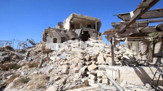 Edificios destruidos en la zona de Alepo controlada por el gobierno.