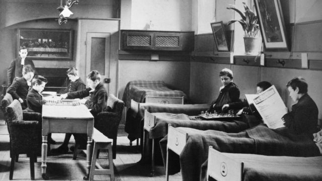 Школа-интернат Христова Госпиталя, 1900 год
