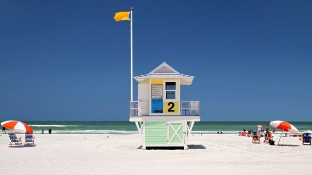 Aguas claras de una playa en Florida.