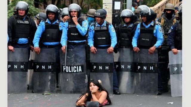 Honduraslı qadının təknəfərlik aksiyası