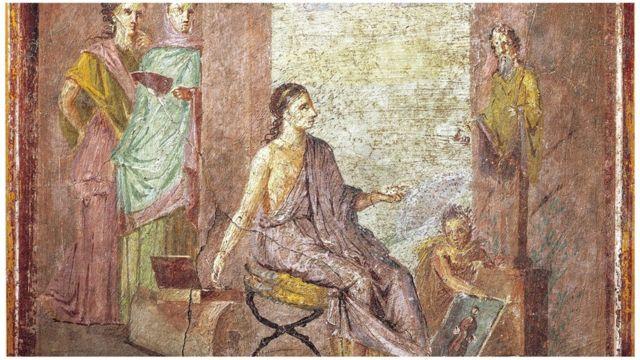 O afresco de Pompeia mostra uma pintora pintando uma estátua, 55-79 A.D.
