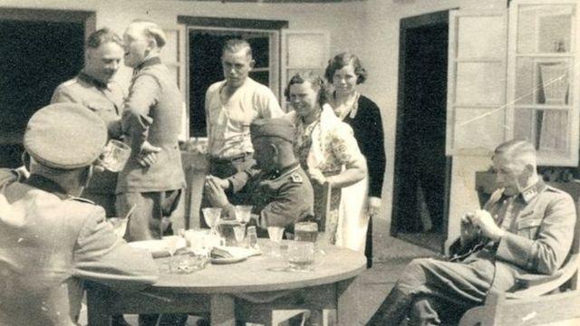 Guardas ligados ao partido nazista