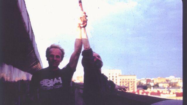 Владимир Тарасов и Эрик Булатов в студии Булатова в Москве. 1980-е годы