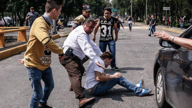 Un estudiante de la UNAM es atacado por varios jóvenes