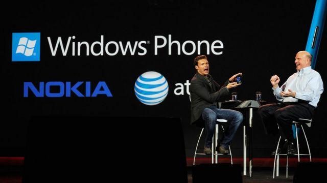 Презентация Nokia Lumia 900 в 2012 году