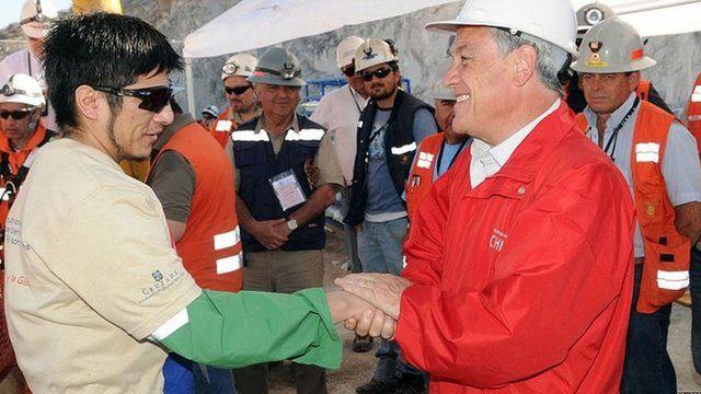 Mineiro é cumprimentado pelo presidente Piñera
