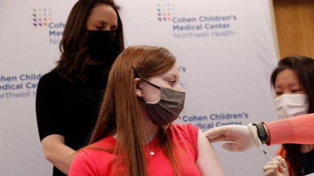Hanna Riva Goldberg, 16, receives the Pfizer vaccine, New Hyde Park, NY