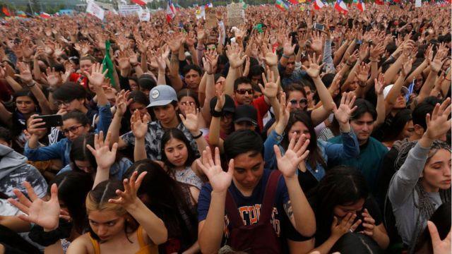 A maior marcha da história do Chile foi contra a desigualdade causada por seu modelo econômico