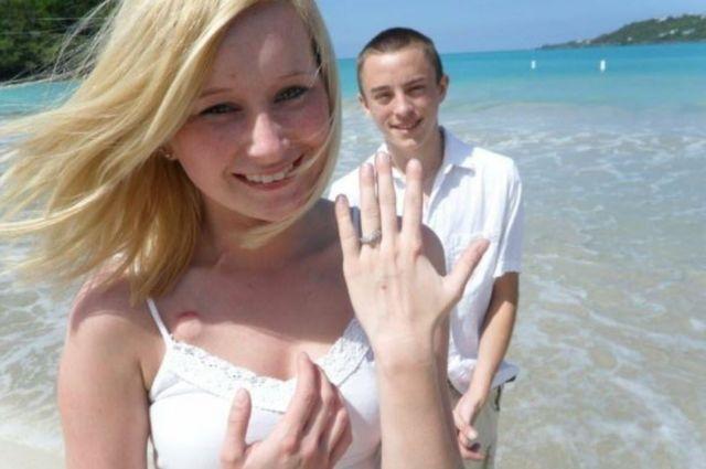 Foto de Dalton e Katie na praia