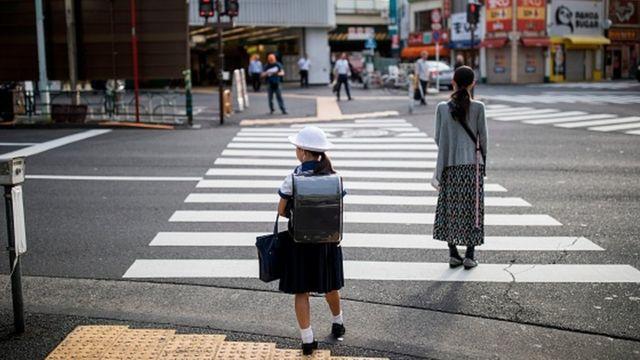 چرا بسیاری از کودکان ژاپنی نمیخواهند به مدرسه بروند؟