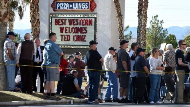 クルーズ候補の演説を聞きに集まった人々(今月21日、ネバダ州)