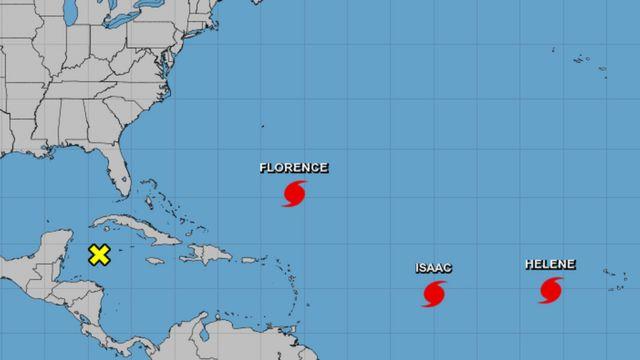 Mapa do Atlântico com a localização dos furacões Florence, Isaac e Helene