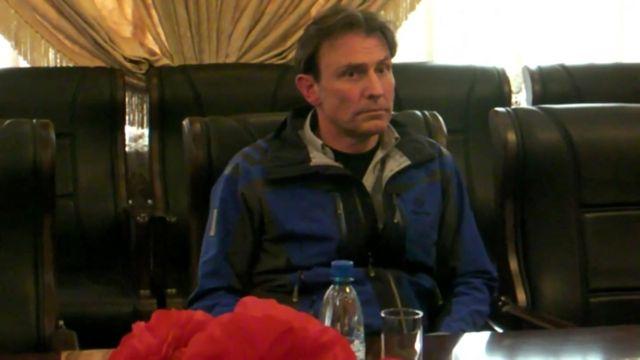 取調室のウィングフィールド=ヘイズ記者(写真は北朝鮮側が撮影)