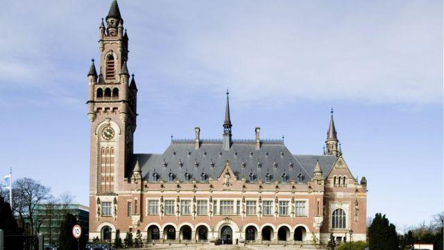 La Corte Internacional de Justicia de La Haya.