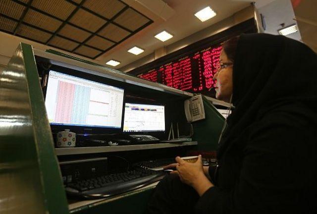 دولت ایران میگوید توانسته بخشی از کسری بودجه را از طریق عرضه سهامهای دولتی به بورس جبران کند