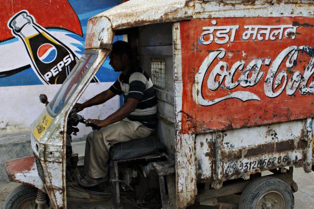 อินเดียห้ามขายโค้กเป๊ปซี่