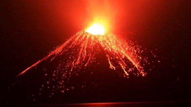 Vulcão Anak Krakatau. Foto: Julho 2018