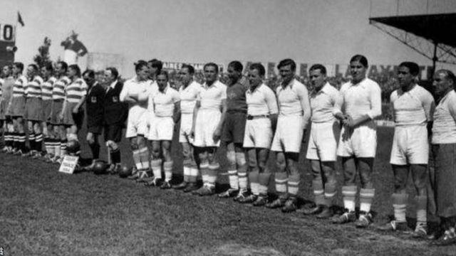 Les Algériens Ali Benouna et Abdelkader Ben Bouali ont aidé le FC Sete à remporter le tout premier doublé en Ligue et Coupe de France en 1934